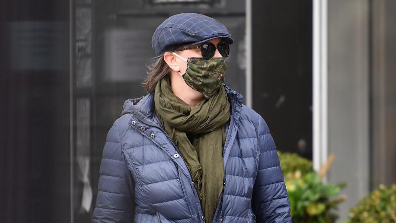 ニューヨーカーがマスクを着用しているかっこいい写真